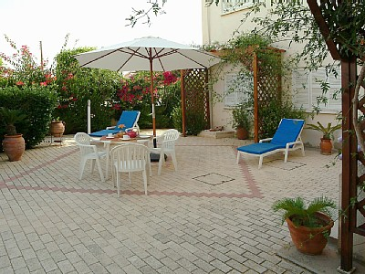 patio and garden - common use