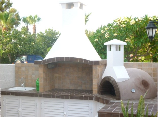 Philippou villas SSV 14 BBQ & clay wood oven