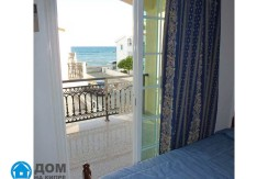 Bedroom-2-with-2-single-bed--with-sea-view2