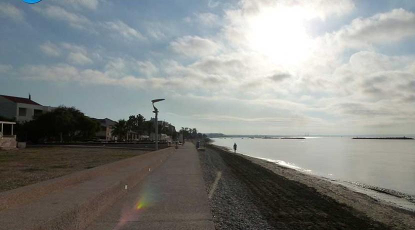 Pedestrian-Zone-by-the-sea-2