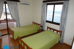 Second-Bedroom-2-single-beds