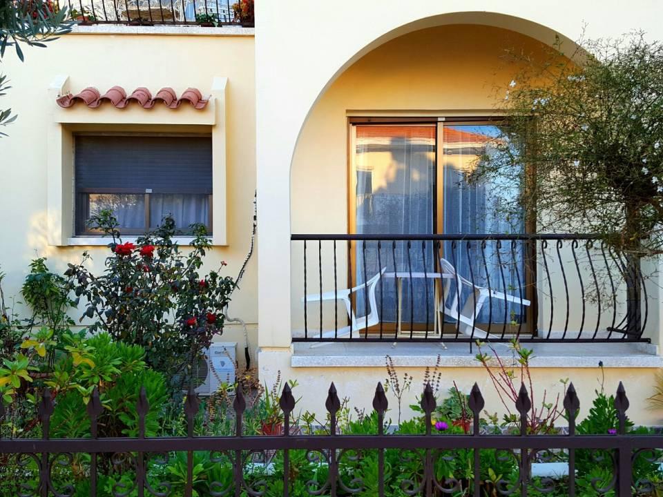 Апартаменты Петрос-1